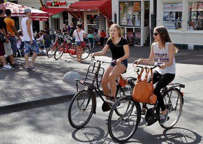 amsterdamGirls on BikeWeb900px